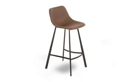 A bar stool with metal legs & a light brown faux leather seat from EZ Living Furniture's Yukon Range. Angled view.