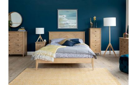 Double (4ft 6) Oak & Pine Bed Frame - Chevron