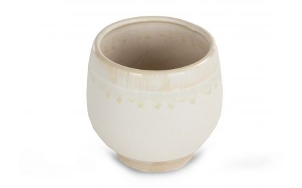 A cream plant pot from EZ Living Furniture's Mell range. Angled view of ceramic tradional pot
