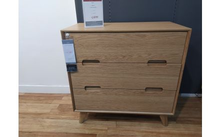 Actual loo of the Rho chest of drawers floor model on offer in Pop up store