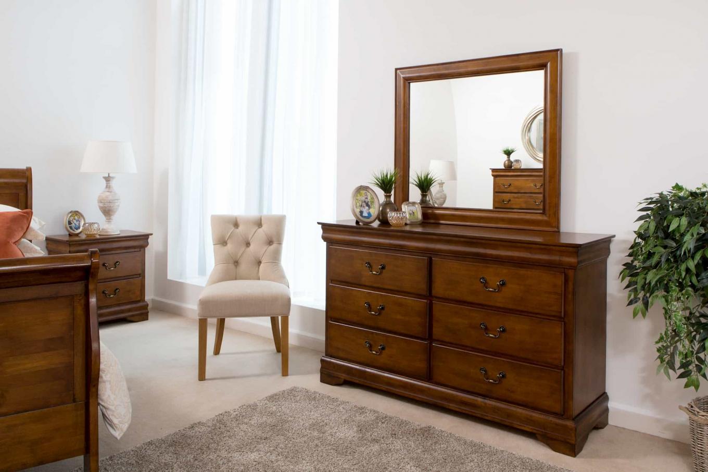 Louis Phillippe Dresser Lookbook
